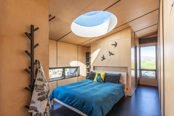 Large skylight above the bed for those amazing star views