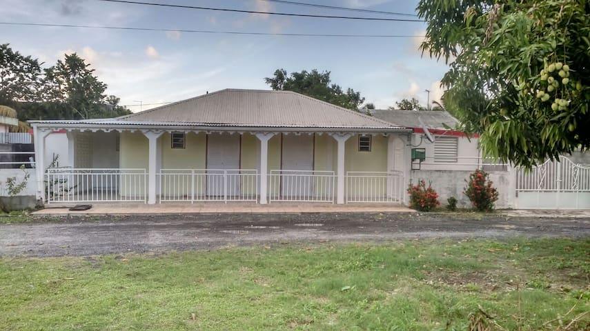 Villa créole - GP - Dom