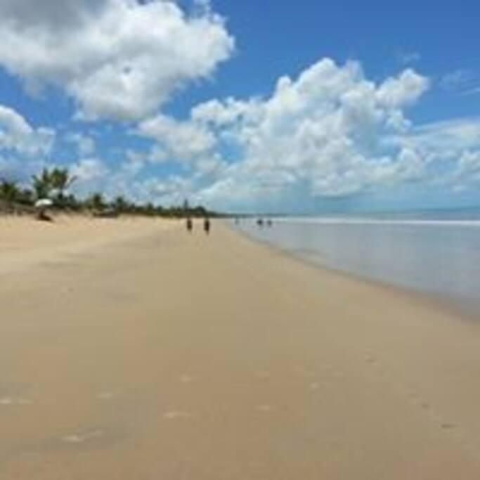 fazer caminhada logo pela manhã e um mergulho nesta praia é tudo de Bom!