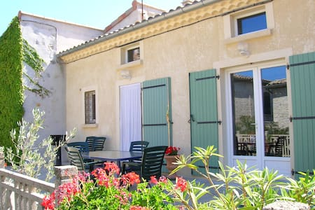 Belle maison dans village de charme - Saint-Andéol-de-Berg