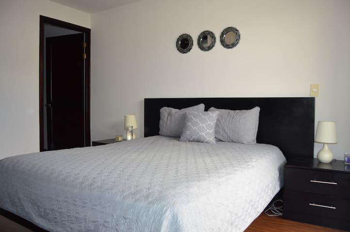 Master Private Bedroom In Avalon Santa Ana Condo Apartments For Rent In Santa Ana San Jose