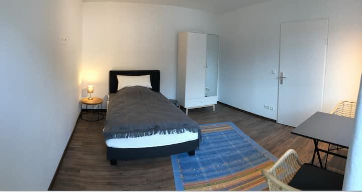 15,5 qm Zimmer (Nr. 3) in moderner 3-er WG