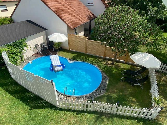 Neu renovierte(2020) Frankenwaldwohnung mit Pool