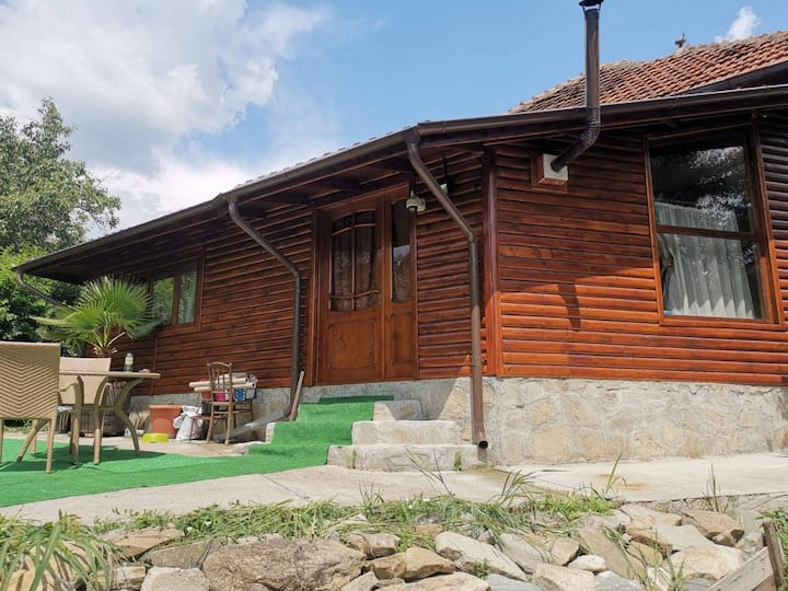 Charming house, area Campulung Rucar Bran