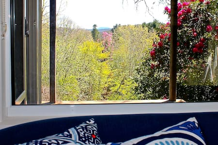 Watermark House-The Artist Studio+Views - Guesthouse