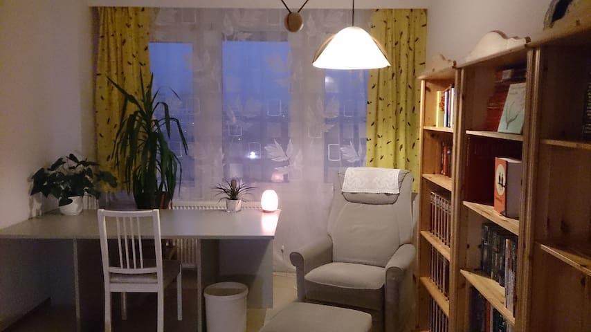 1-Bett-Zimmer - Bad+Küche gemeinsam