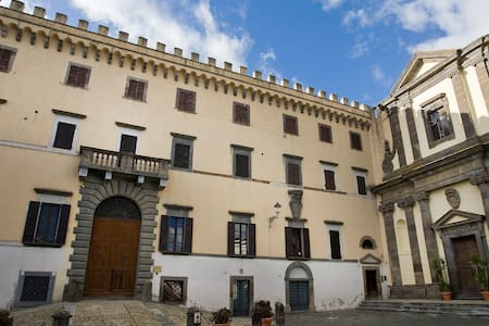 Apartments in dreamy castle - Viterbo - ปราสาท