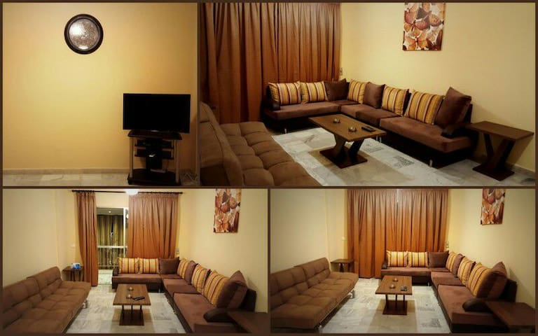 Fully furnished apartment on  Hamra main street - Bejrút - Lakás
