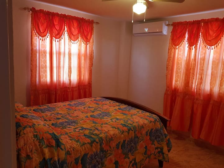 Cozy-Suite 1 Bedroom Apt