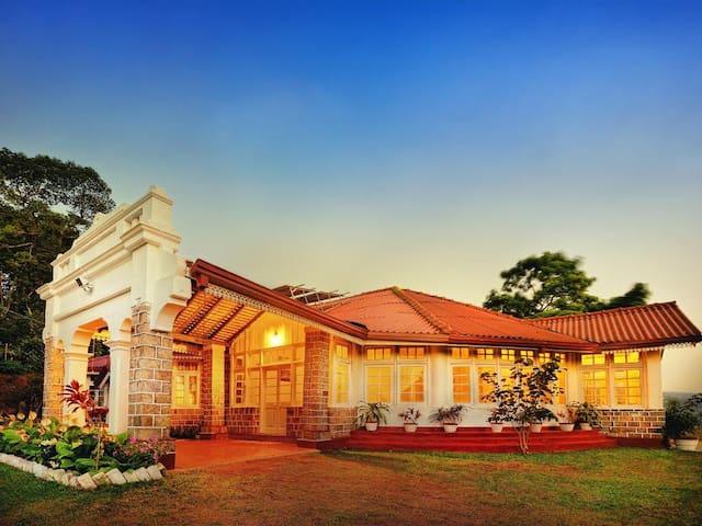 Kandy hill bungalow