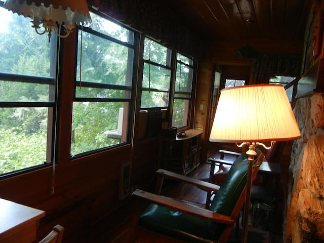 Tamarack Lodge Vacation Lake Home - Rathdrum - Cabana