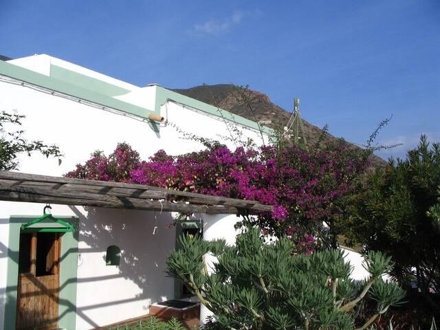 Filicudi, località Liscio, Camera 2 - Filicudi Porto