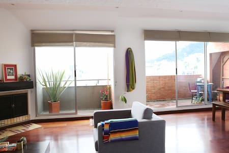 Sunny penthouse with great views! - Bogotá
