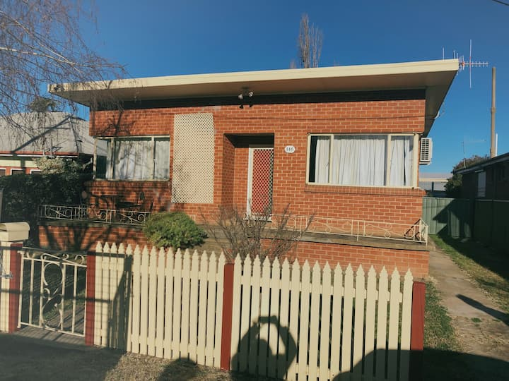Central Location to Everything -2 bedroom house