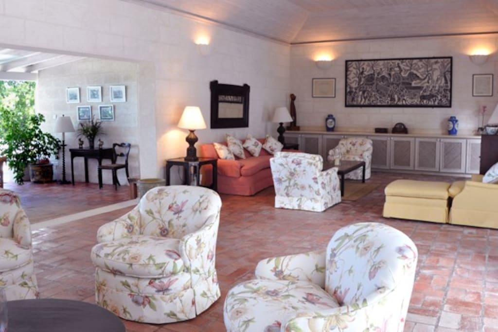 Sandy Lane-Casuarina - Lounge area