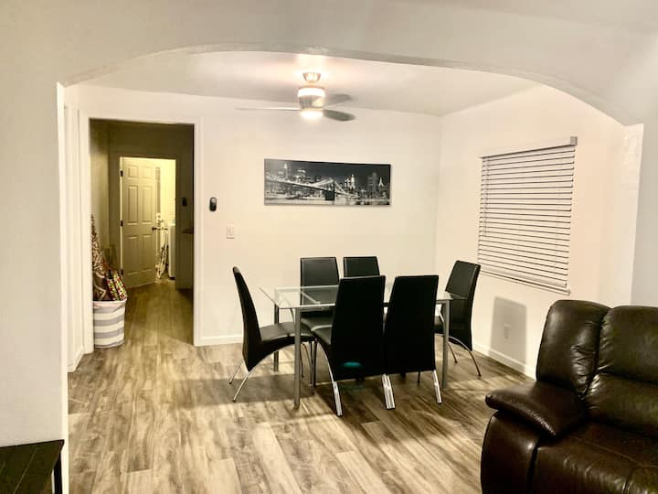 3BR 1Bth Luxury House Event Entertainers Welcome