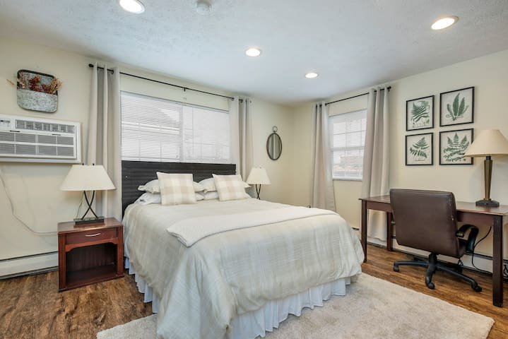 Comfy Studio Near Ohio State, Steps from High St!
