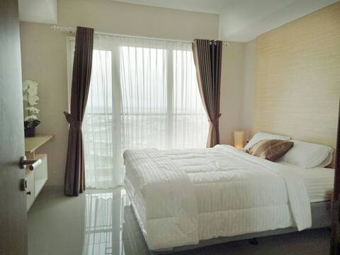 Luxury Comfy Strategic Oasis  Apartement  CIKARANG