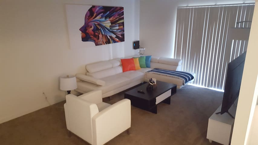 GOOD BEAUTIFUL AND CHEAP ONE HAB APARTMENT