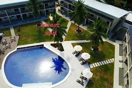 Poolside condo in a resort near Alona Panglao阿罗娜民宿