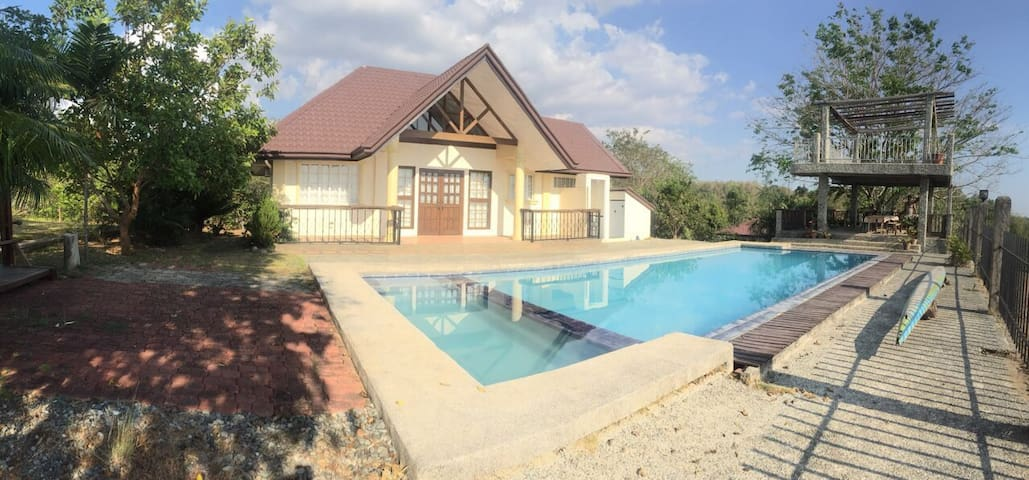 Private resort with 2 houses and swimming pool.