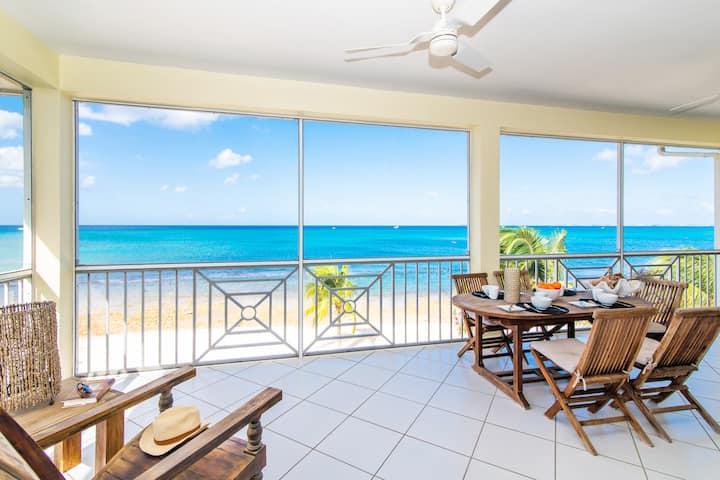 Luxury Condo w/ Panoramic Views of the Caribbean