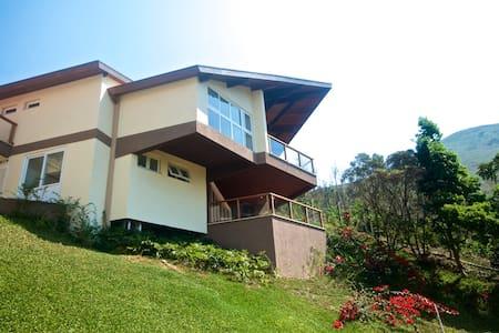 Casa em Itaipava - Petrópolis - House
