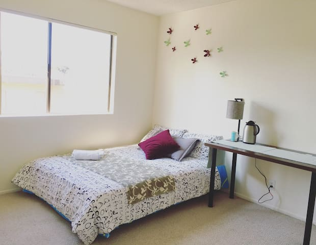 Lovely room at downtown Alhambra, 10 miles to LA - Alhambra - Condominio