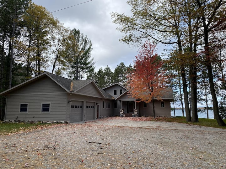 Spectacular Five Bedroom House in Lewiston