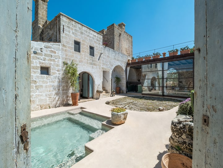 Authentic Masseria in the Apulian countryside