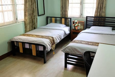 Budget Room4 at Wawa place - Tambon Nai Wiang - Huis