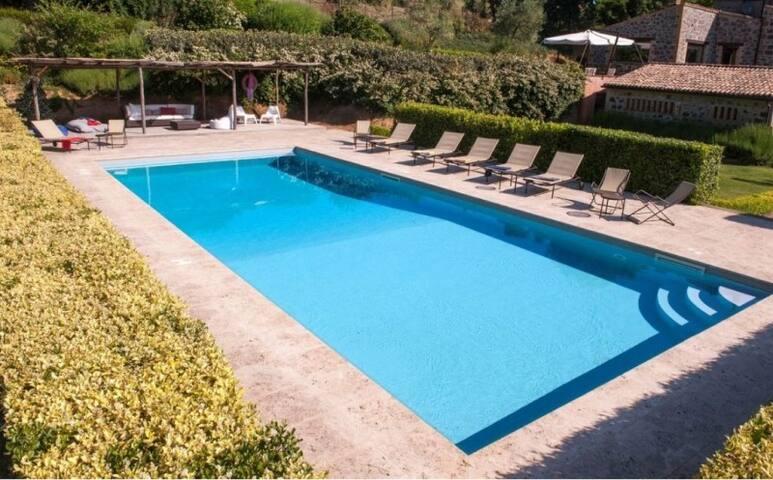 BOLSENA - WONDERFUL 5 BEDROOMS VILLA -RUSTIC CHARM - Bolsena - Villa