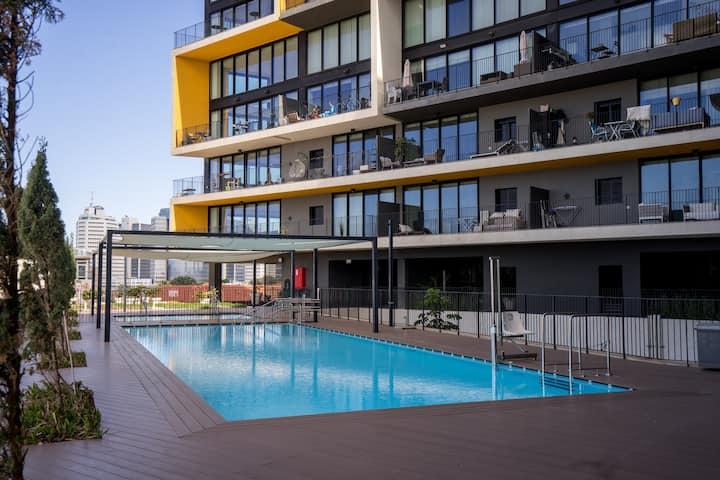 Pool Apartment in Nevetsedek by Airsuite