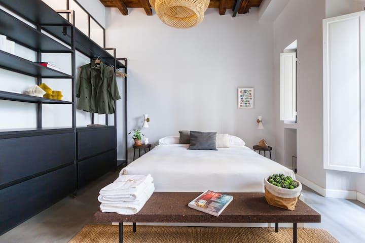 Contemporary Design in the Greenhouse by Costanza