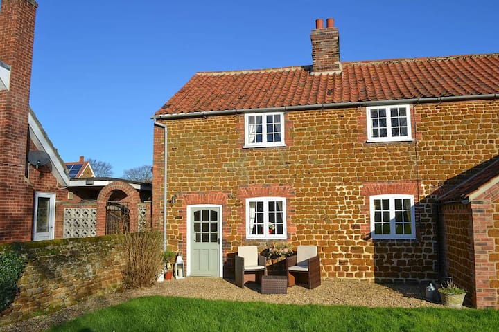 Lambert Cottage - Snettisham - Hus