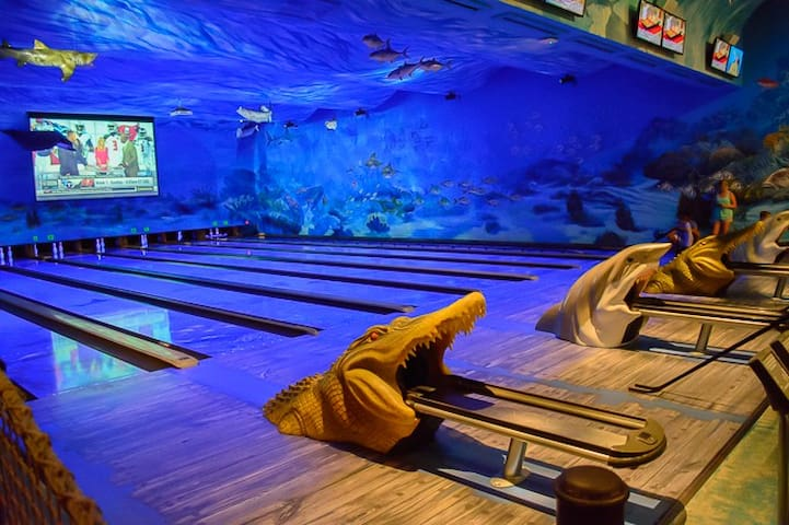Uncle Bucks Fish Bowl featuring underwater bowling.  An awesome rainy day activity that's only 3 miles from Mojo!
