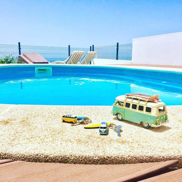 Amazing House with Pool over Arrifana Beach
