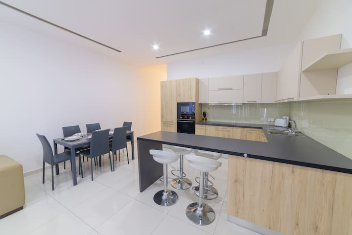 Brand new apartment in the heart of Swieqi - Is-Swieqi - Huis
