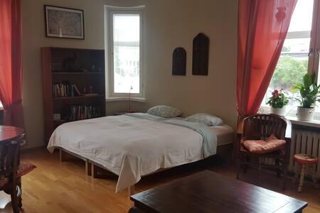 Large bright corner room in Kamppi area!