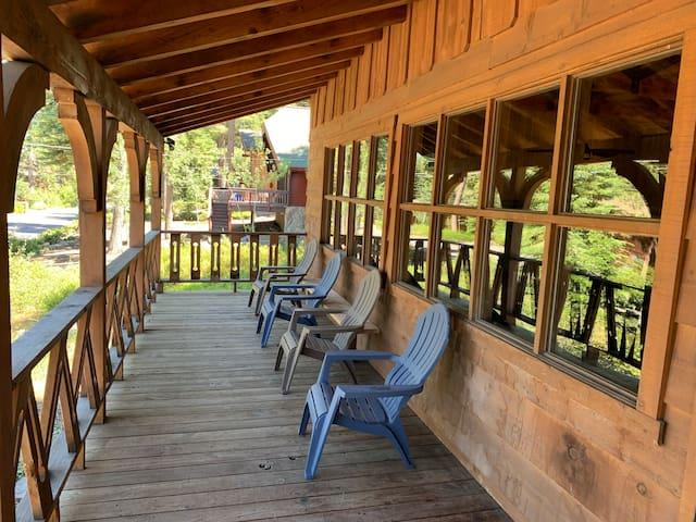 Beautiful Rustic Tahoe Cabin with Lake View!