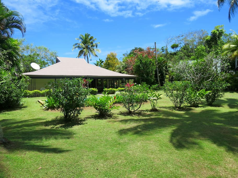 Large Half-Acre Private Tropical Garden