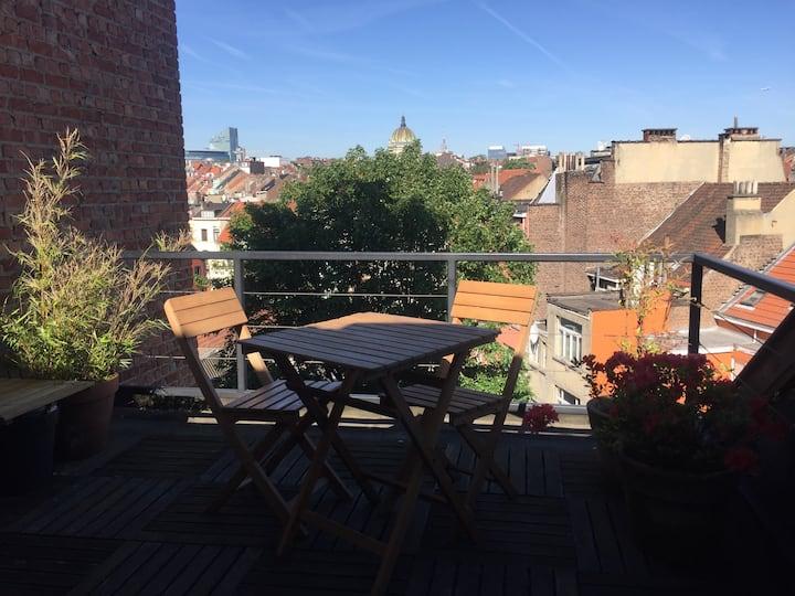 Green loft apartment with terrace in Schaarbeek