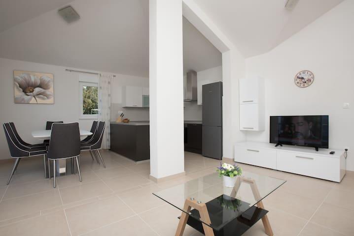 Appartment Mladen (A1)
