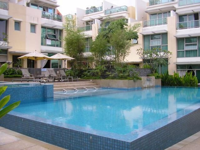 Whole villa for stay - Singapore - House