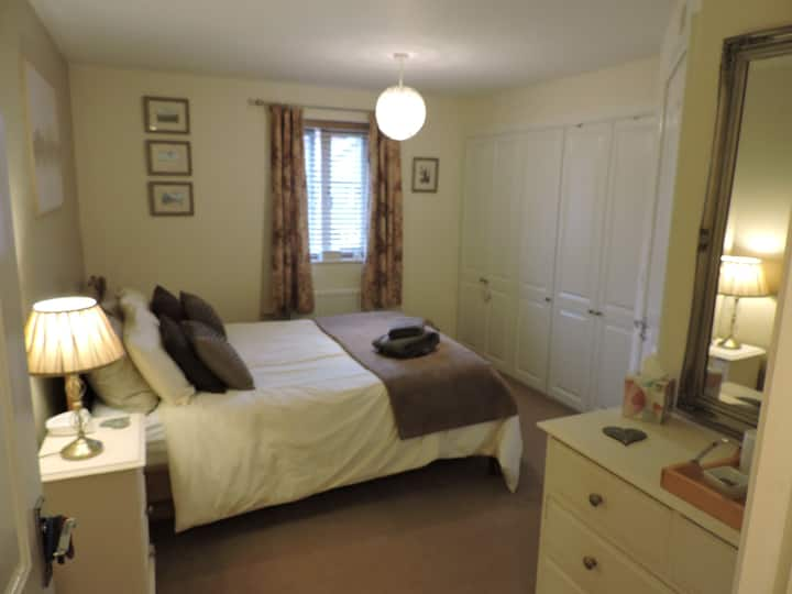 Comfortable double en-suite near UEA & Hospital