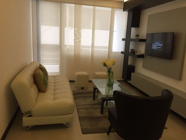 Beautiful apartment  close to everything in Quito - Quito