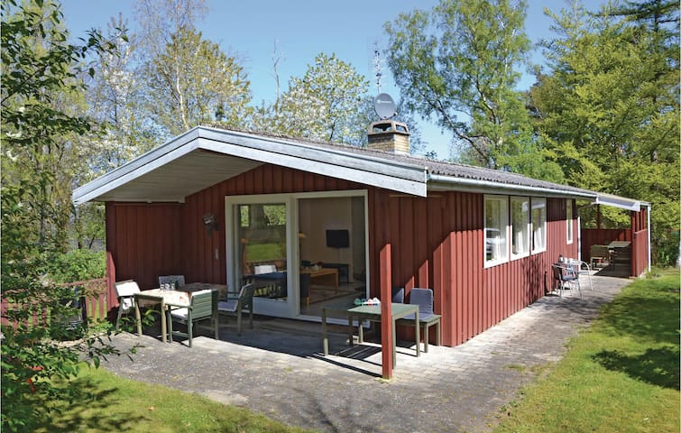 Holiday cottage with 3 bedrooms on 65m² in Gilleleje