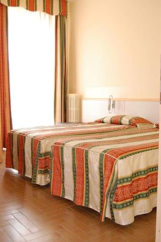 Camera Doppia a Hotel Novara Expo