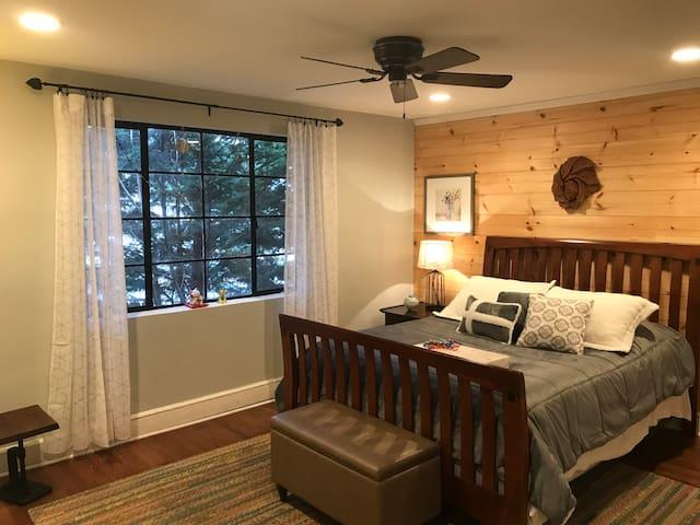 Private Room in Biltmore Village