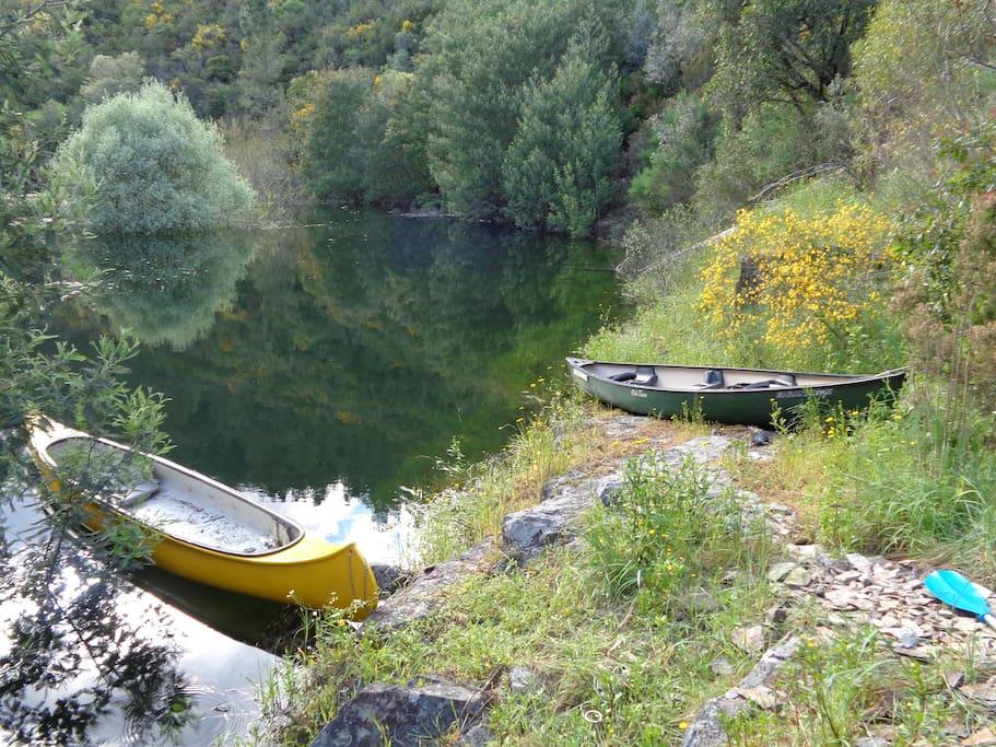 2 canoés sont à disposition